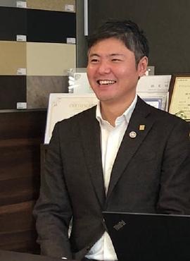 代表取締役 屋比久吉伸氏